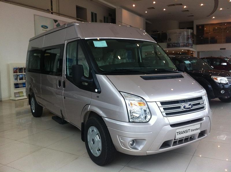ngoai-that-ford-transit